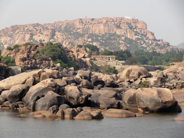 pietra sasso luce soleggiato india