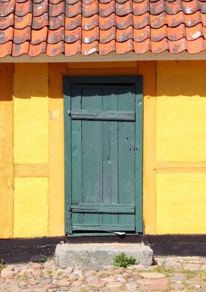 ingresso porta estate vecchio giallo