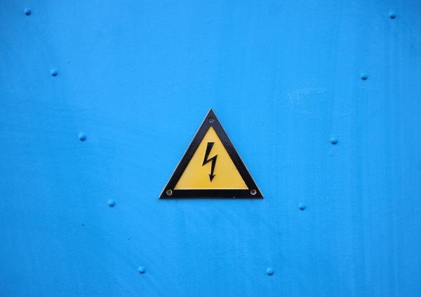pericolo rischio industria potenza elettricita energia
