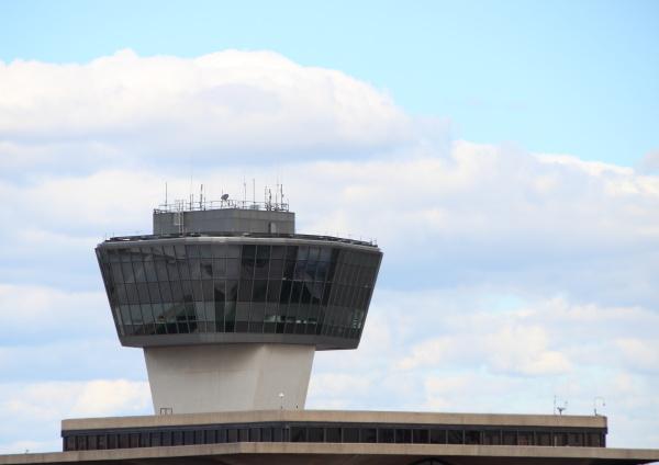 torre viaggio viaggiare moderno traffico comunicazione