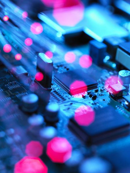 fibre ottiche che trasportano dati che