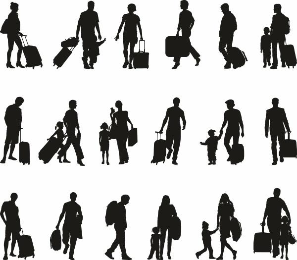persone turisti viaggiatori migranti rifugiati
