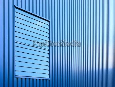 blu finestra linee orizzontale facciata perpendicolare