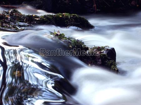 flusso acque sovraesposizione torrente luogo delle