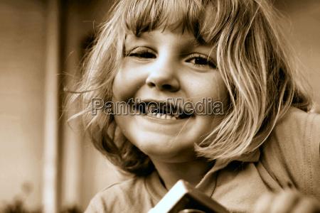 risata sorrisi seppia macchina fotografica giorno