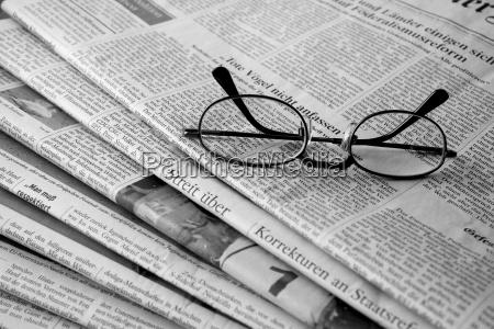 la pila di giornali