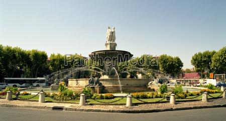 fontana della rotonde a aix
