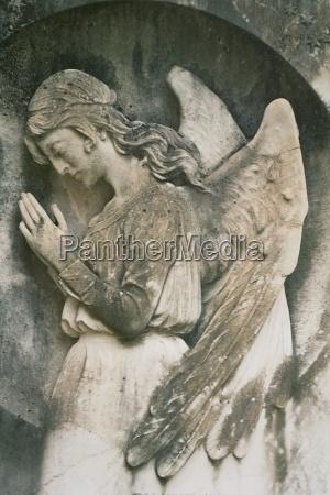 pietra sasso cimitero lapide tomba lutto