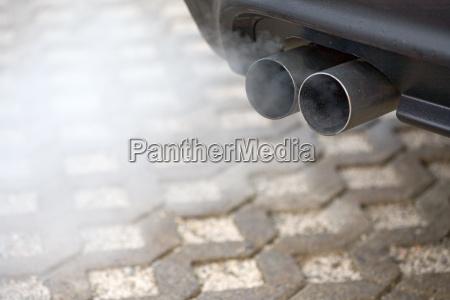 fumo primo piano close up motore