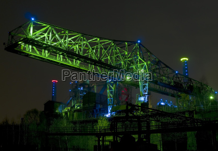 industria fotografia notturna turismo duisburg acciaieria
