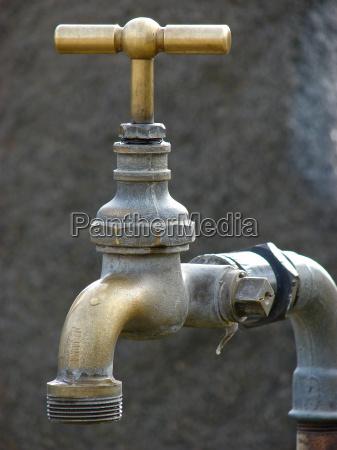 primo piano close up antico rubinetto