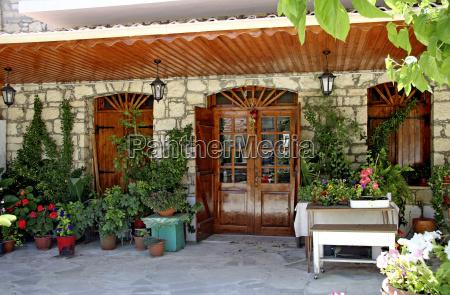 taverna a omodos cipro