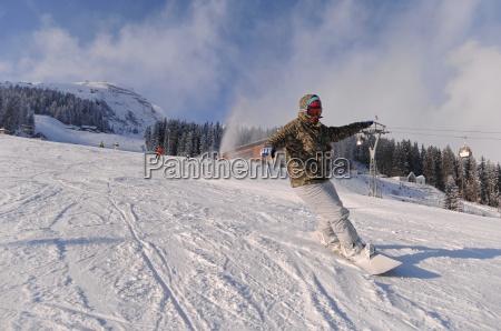 inverno alpi localita sciistica paesaggio invernale