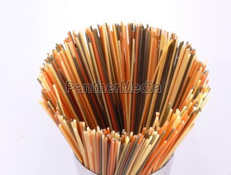 colorato tagliatelle spaghetti