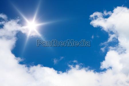 sfondo del cielo soleggiato