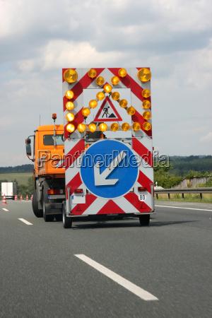 traffico autostrada freccia cantiere