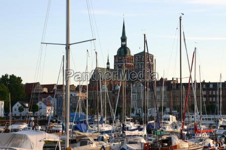 stralsund harbour e chiesa di santa