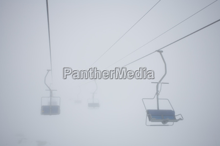 nebbia seggiovia nebbioso nessuno impenetrabile