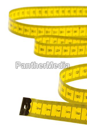 misura gialla del nastro isolata