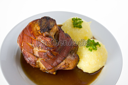 maiale bavarese con gnocchi di patate