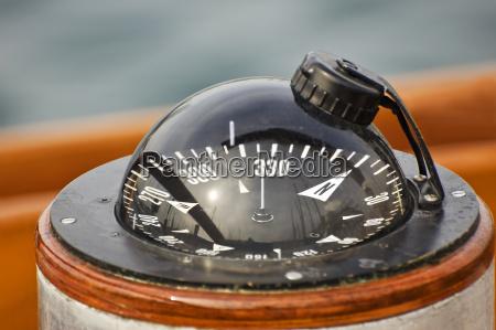 bussola della barca