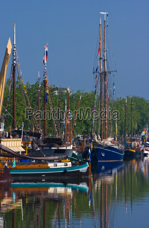 ships in harbour yearly festival in