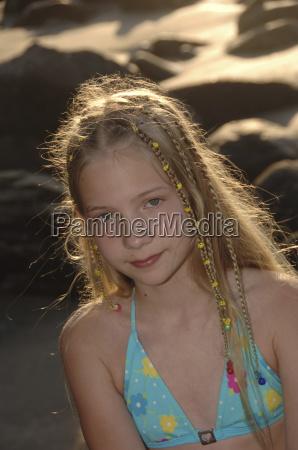 ragazza, di, dodici, anni, in, spiaggia - 2255051