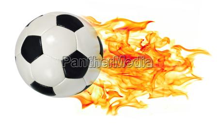 pallone da calcio in fiamme
