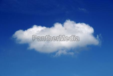 nuvola cielo blu