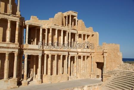 teatro romano di sabratha in libia