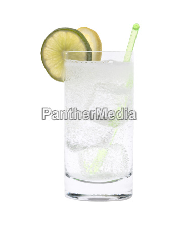 vodka o gin tonic cocktail