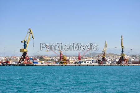 caricare porto attrezzatura esportazione export carico