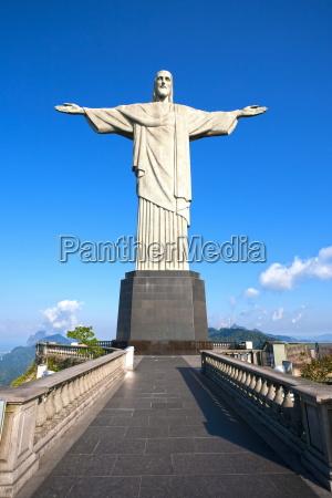 statua cristo salvatore