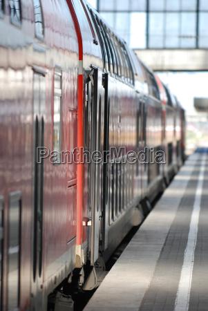 stazione treno veicolo mezzo di trasporto