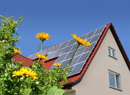 celle solari sul tetto della casa