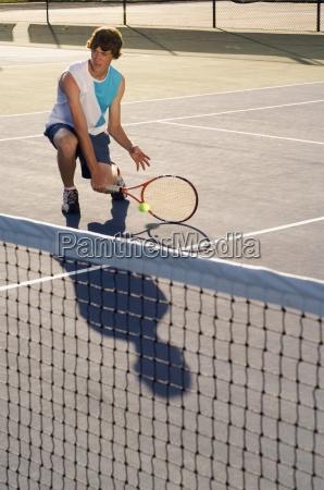 giocatore di tennis da sola su