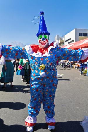 clown danza per strada arequipa peru