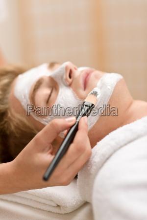 cosmetici maschili maschera facciale nel