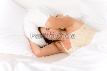 camera da letto donna pigro