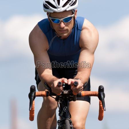 dinamica dinamismo ciclista competizione bicicletta ciclismo