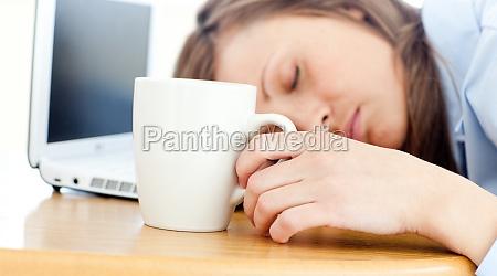 donna di sonno che dorme sul