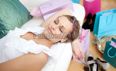 donna felice di relax dopo lo