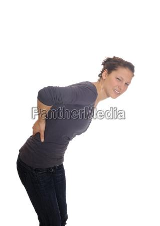 giovane donna ha mal di schiena