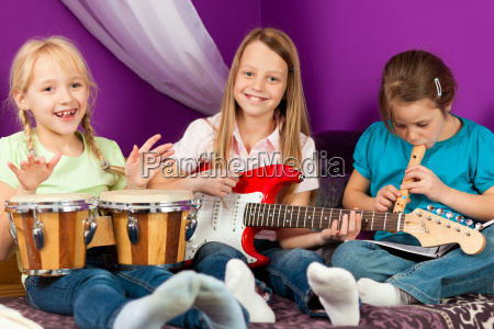 i bambini fanno la musica