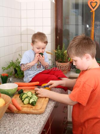 frutta fratello verdura ragazzi tagliare confratelli