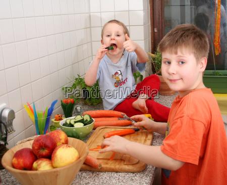 kinder, in, der, küche - 4469729
