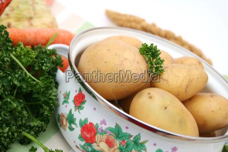 cucina cucinare verdura pentola patate bollite