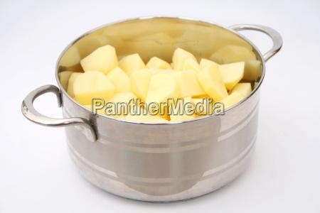 cucinare cucina pentola patate bollite patate