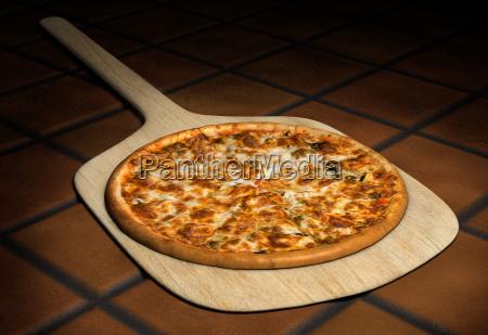 pizza, su, buccia, di, legno - 4623758