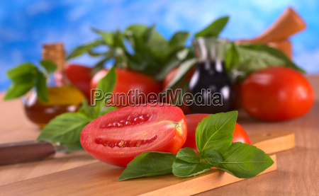 fresh basil with tomato